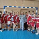 Гандболистки Ляховичскому ДЮСШ стали лучшими в Слониме, подтвердили свои умения во время домашнего турнира