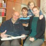 Виктор и Ася Астапенки — вместе по жизни. За что первый белорусский космонавт Петр Климук благодарен сенненскому поэту?