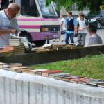 С Театральной площади Луцка уберут книжный секонд-хенд