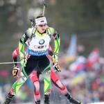 Белорус Владимир Чепелин стал бронзовым призером на первом этапе Кубка мира по биатлону