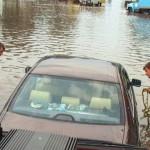 В Луцке спасатели вызволили из водяных пробок 16 автомобилей